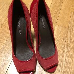 Donald J. Pliner Shoes - NWOB Suede Donald Pliner heels